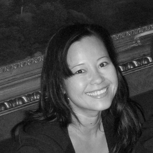 Kim Hua—Kim is involved in all aspects of the office's operations, she has collaborated on branding efforts for a broad spectrum of corporate and consumer brands in industries ranging from technology to healthcare to fashion. Under Kim's leadership, JB Design has partnered with a wide array of clients, including NBC, ESPN and other well-known brands.